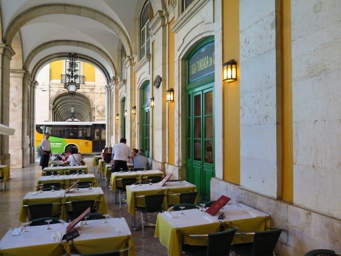 Restaurante Martinho da Arcada: mesas externas