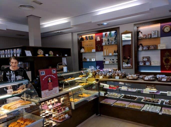 Confeitaria Santo Tomé, em Toledo | Balcão de doces
