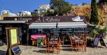 A Ribeira: tradicional restaurante em Alvor (Algarve, Portugal)