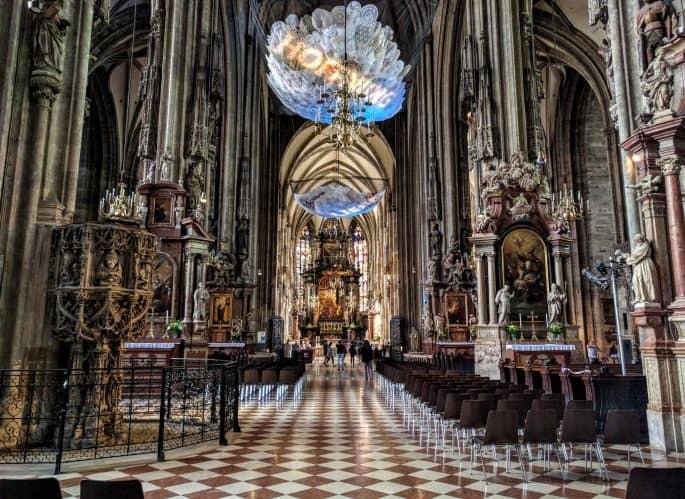 Catedral de Santo Estêvão, em Viena: interior