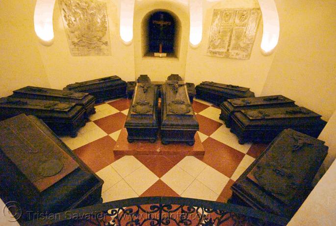 Visita às catacumbas da Catedral de Viena