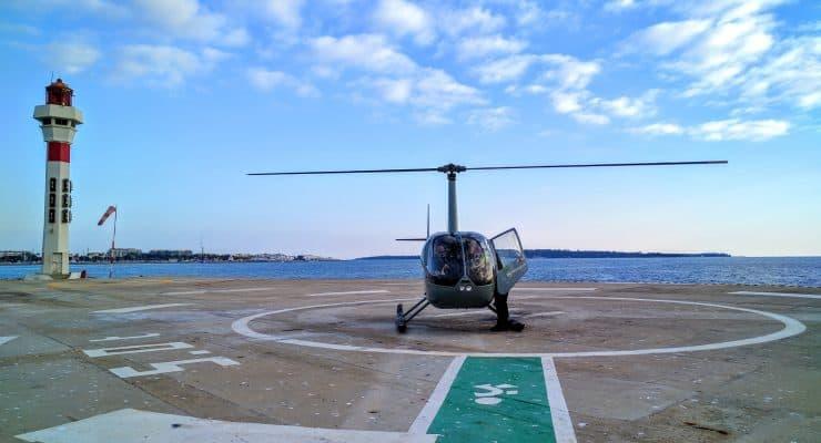 Um incrível passeio de helicóptero em Cannes