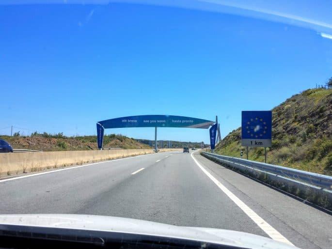 Fronteira Algarve-Andaluzia, com ponte sobre o Rio Guadiana