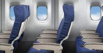 Por que os assentos de avião não ficam alinhados com as janelas?