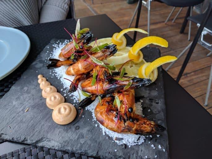 Lisboa Rio: restaurante no Cais do Sodré, em Lisboa | Prato com camarões
