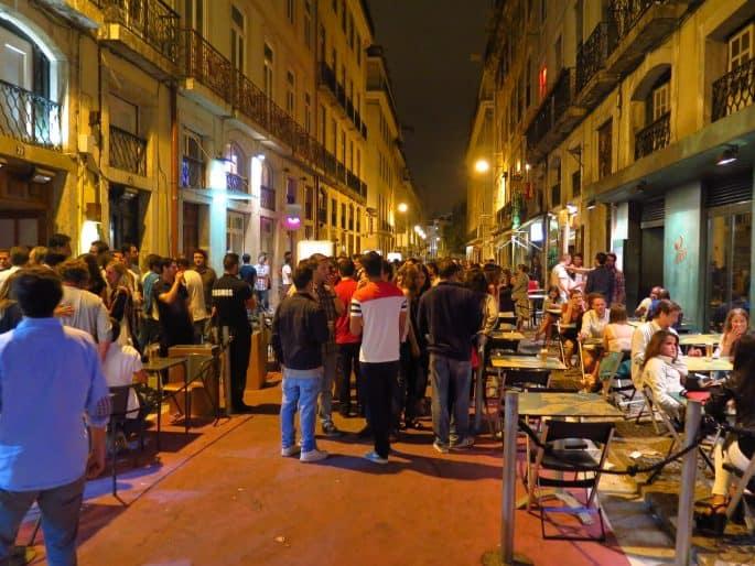 Rua Cor-de-Rosa à noite