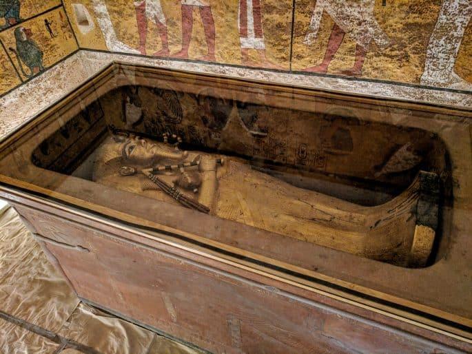 Interior da tumba de Tutancamon