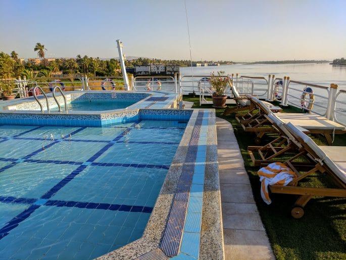 Cruzeiro no Rio Nilo | Piscina no convés
