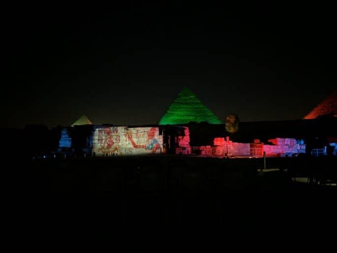 Show de luzes em Gizé