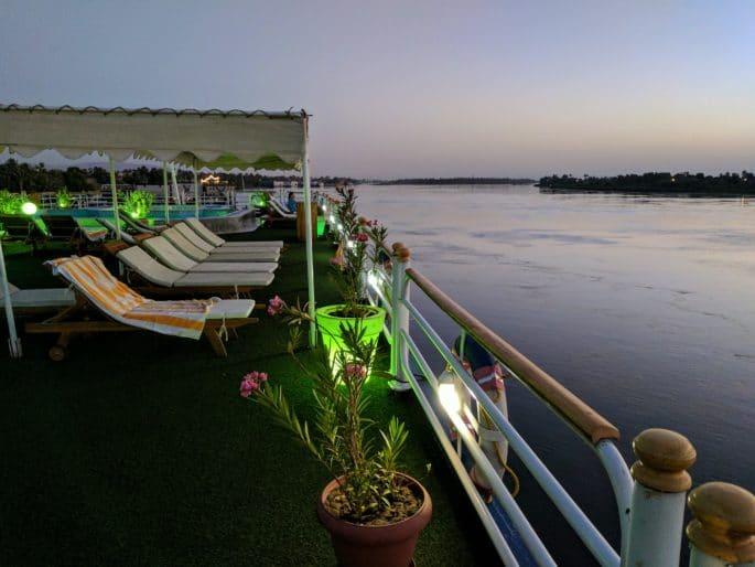 Rio Nilo à noite