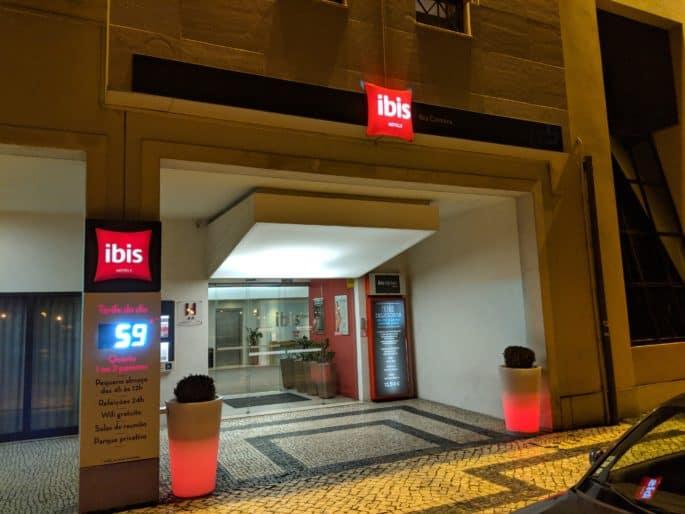 Fachada do Hotel Ibis, em Coimbra