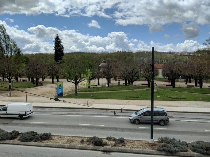 O Parque Verde diante do Hotel Ibis em Coimbra.