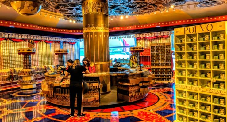 O Mundo Fantástico da Sardinha Portuguesa: atraente loja no Aeroporto de Lisboa