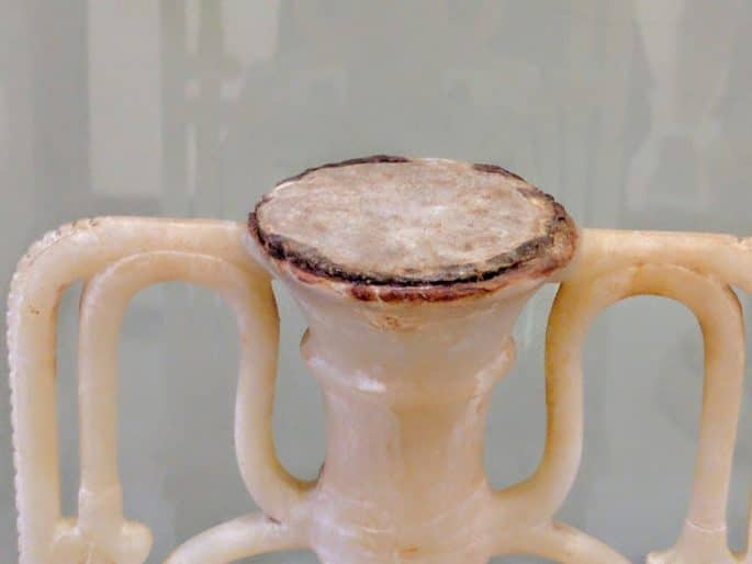 Interior do Museu do Cairo - Jarro de perfume