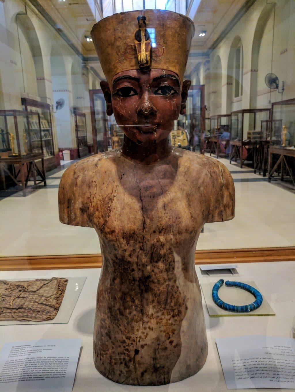 Statue of Tutankhamun