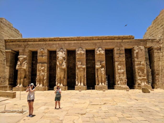 Turistas mulheres no Egito.