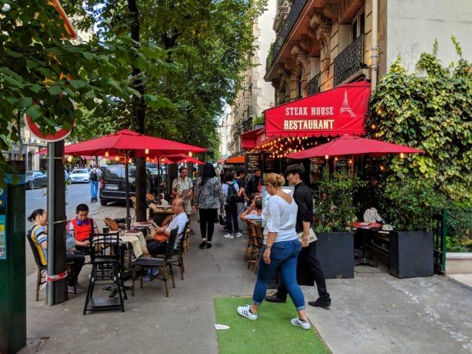 Cafe em Paris.
