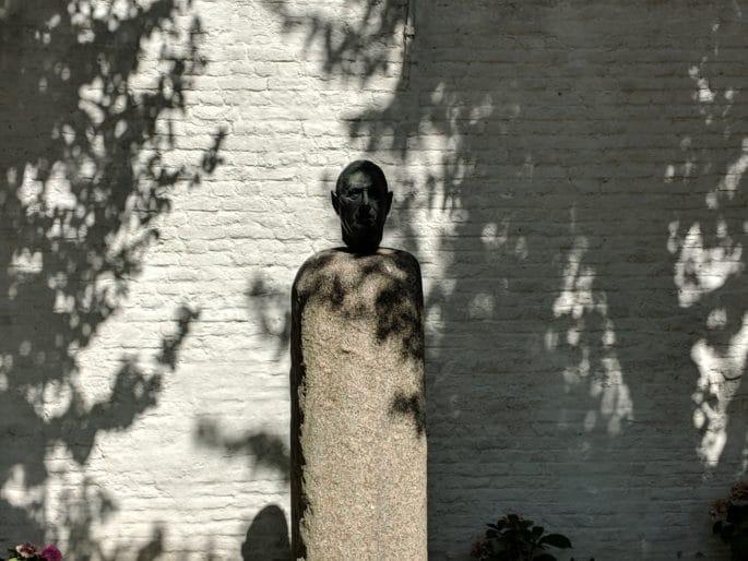 Busto de Charles de Gaulle.