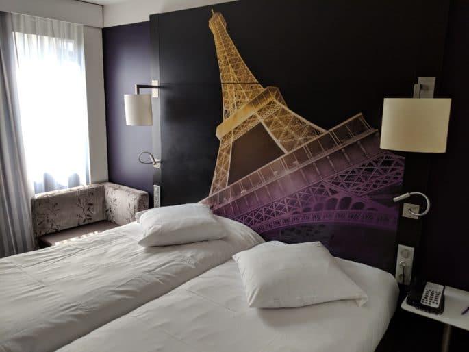 Quarto no Hotel Mercure Paris Centre Tour Eiffel.