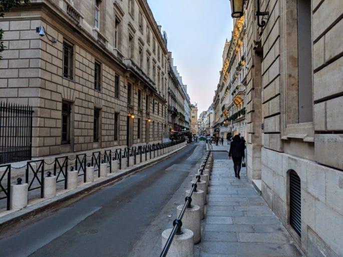 Rua do Buddha-Bar em Paris.