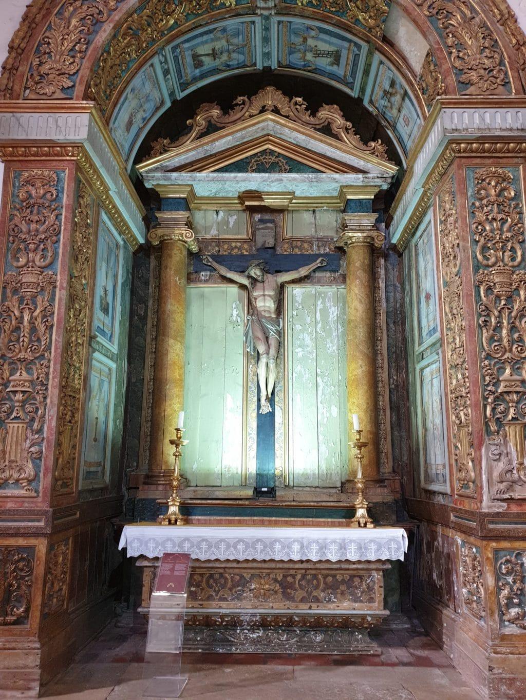 Crucifixo.