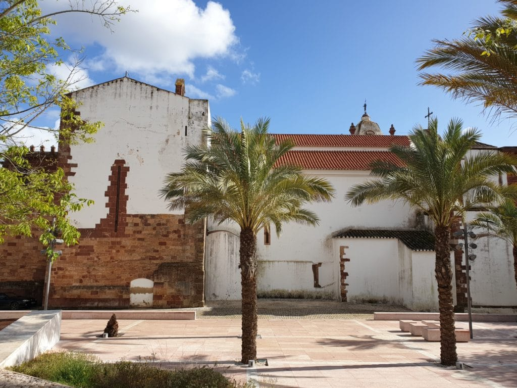 Exterior da Catedral de Silves (parte de trás).
