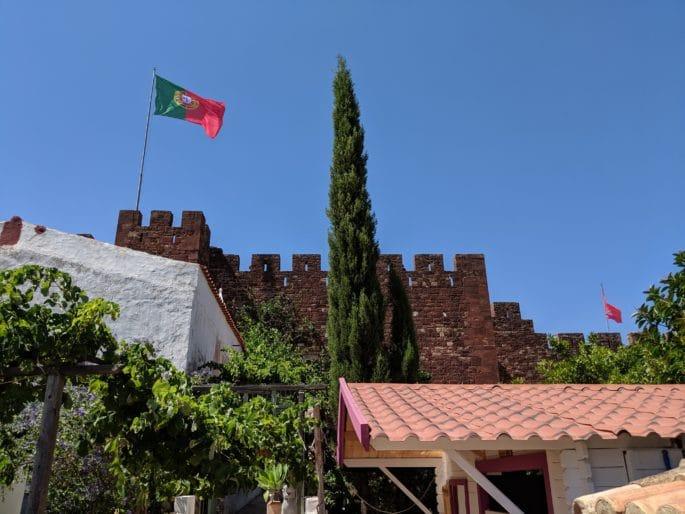 Bandeira de Portugal no Castelo de Silves.