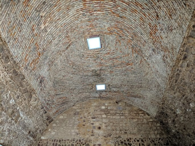 Teto de área no Castelo de Silves.