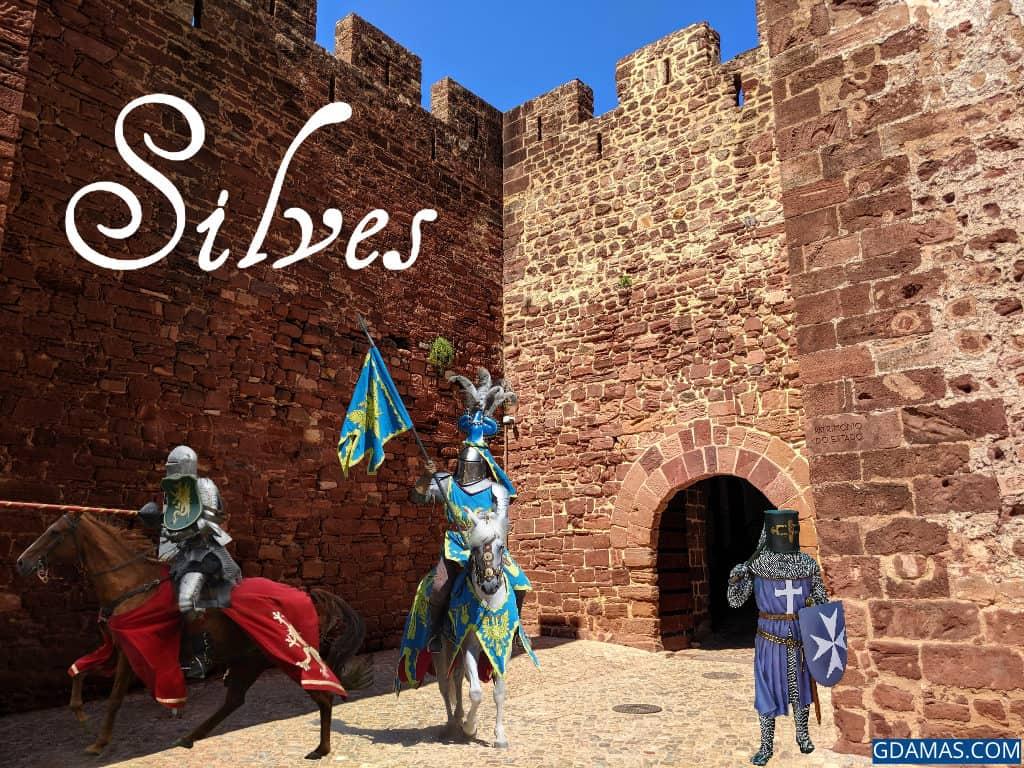 O Castelo de Silves com cavaleiros diante da entrada.