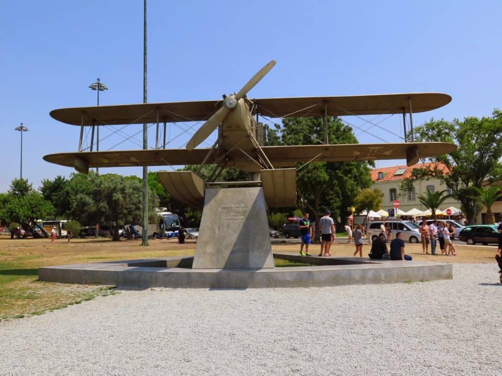 Monumento da primeira travessia aérea do Atlântico Sul.
