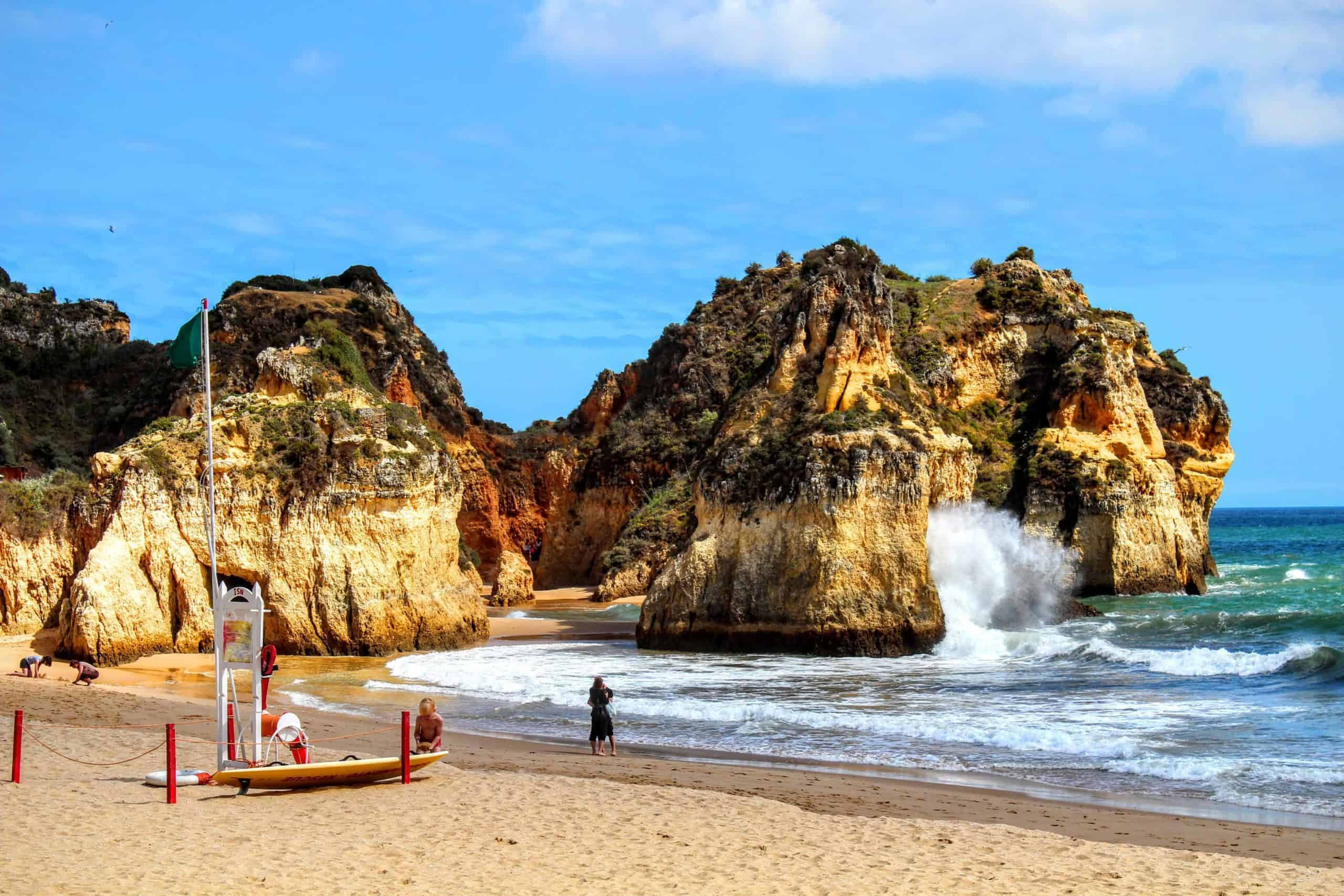 Beaches in Alvor may make Summer be the best time to visit the Algarve.